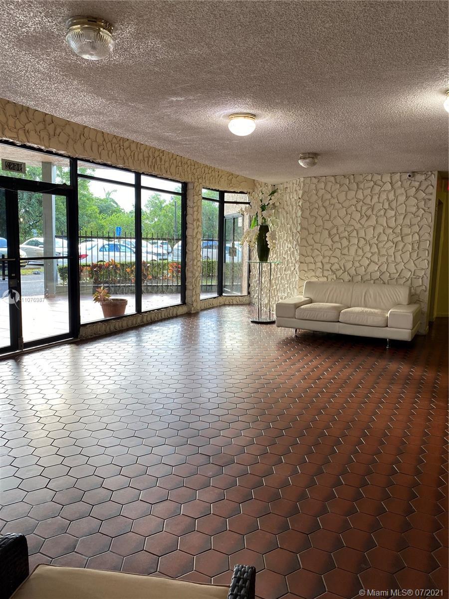 9682  Fontainebleau Blvd #414 For Sale A11076987, FL
