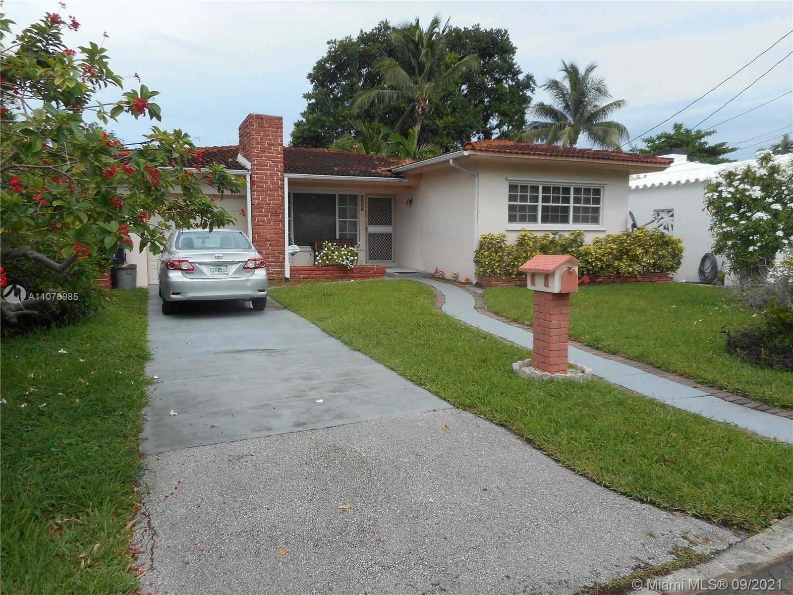 9025  Hawthorne Ave  For Sale A11076985, FL