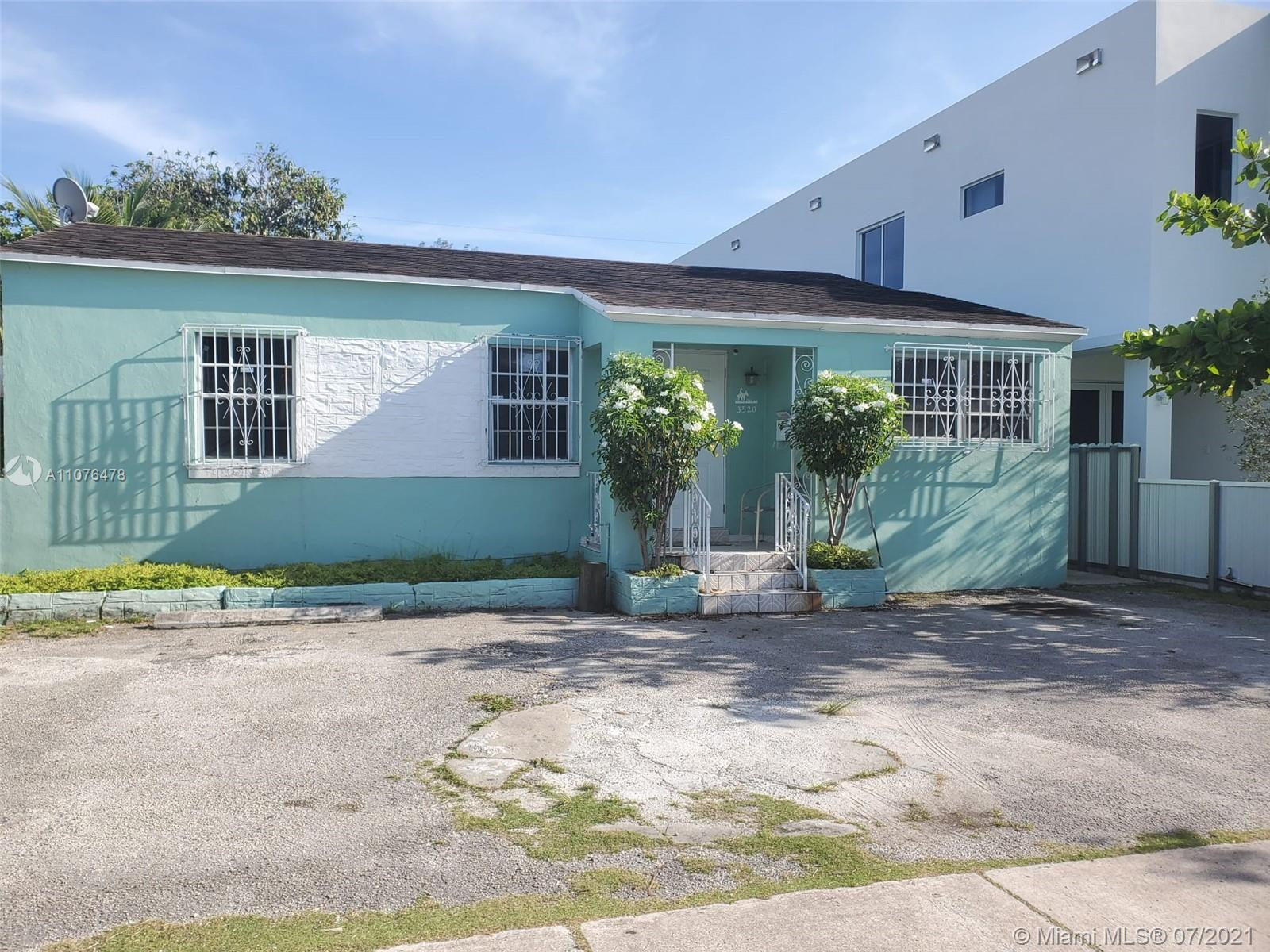 3520 SW 25th Ter  For Sale A11076478, FL