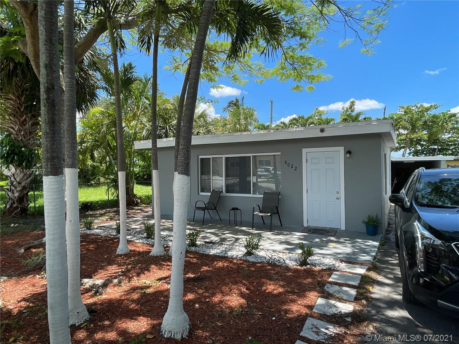 6022 SW 40th Ct  For Sale A11077157, FL