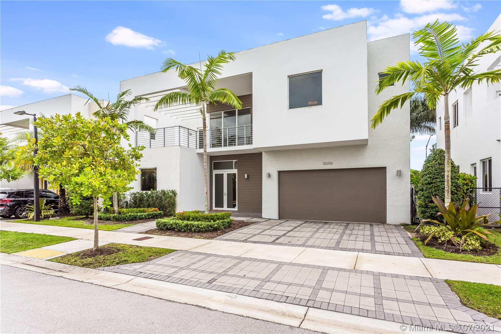 10098 NW 74th Ter  For Sale A11077174, FL