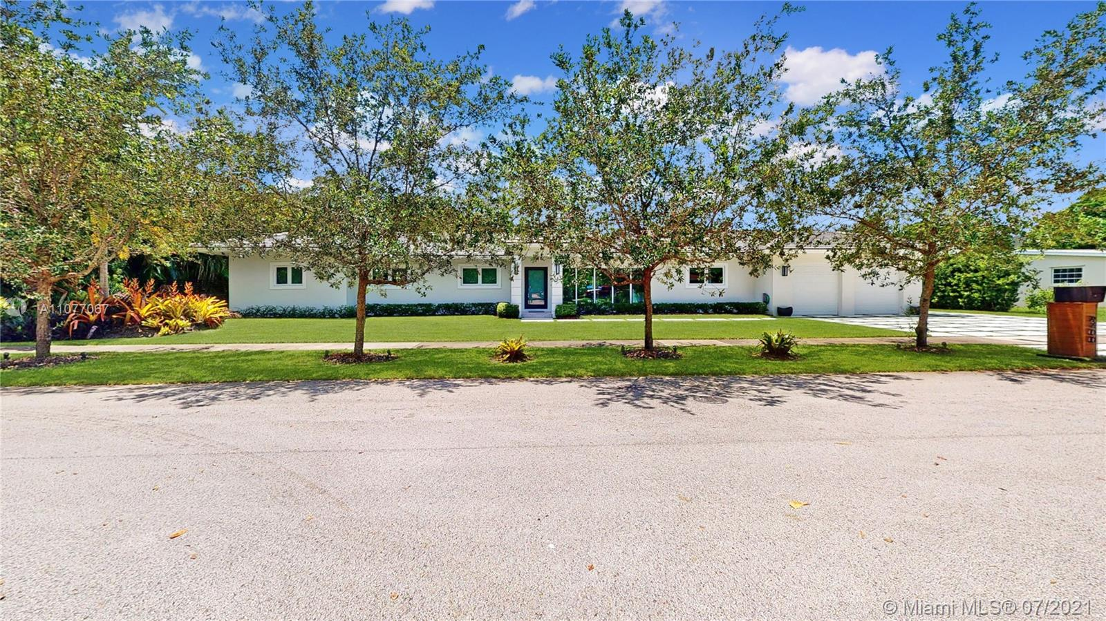 9400 SW 80th Ave  For Sale A11077067, FL