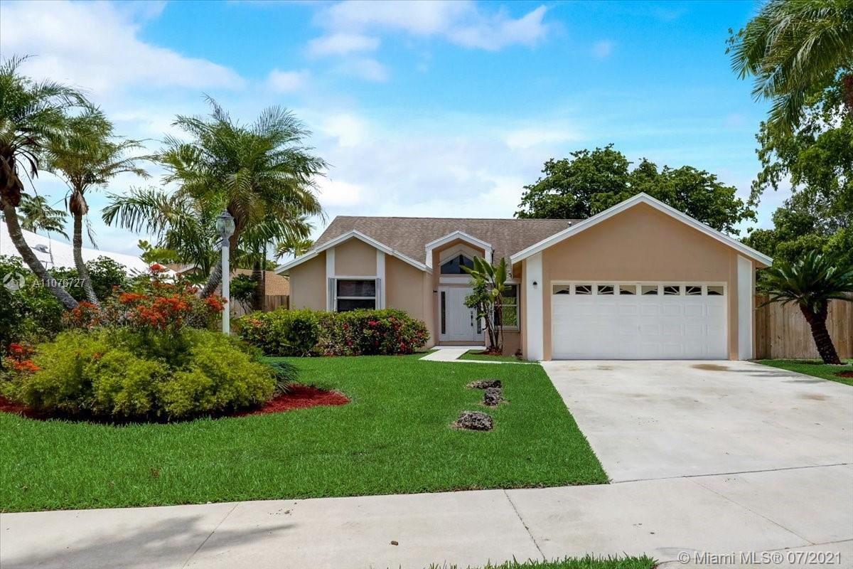 21900 SW 98th Ave  For Sale A11076727, FL