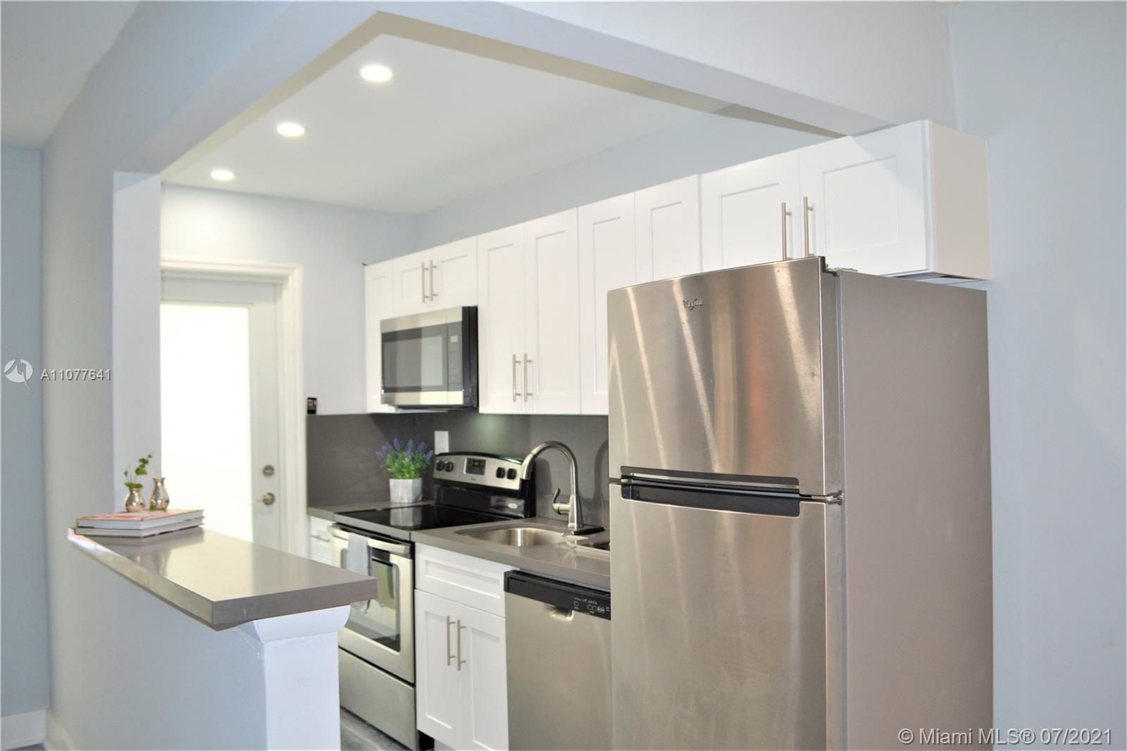 533  Meridian Ave #8 For Sale A11077641, FL