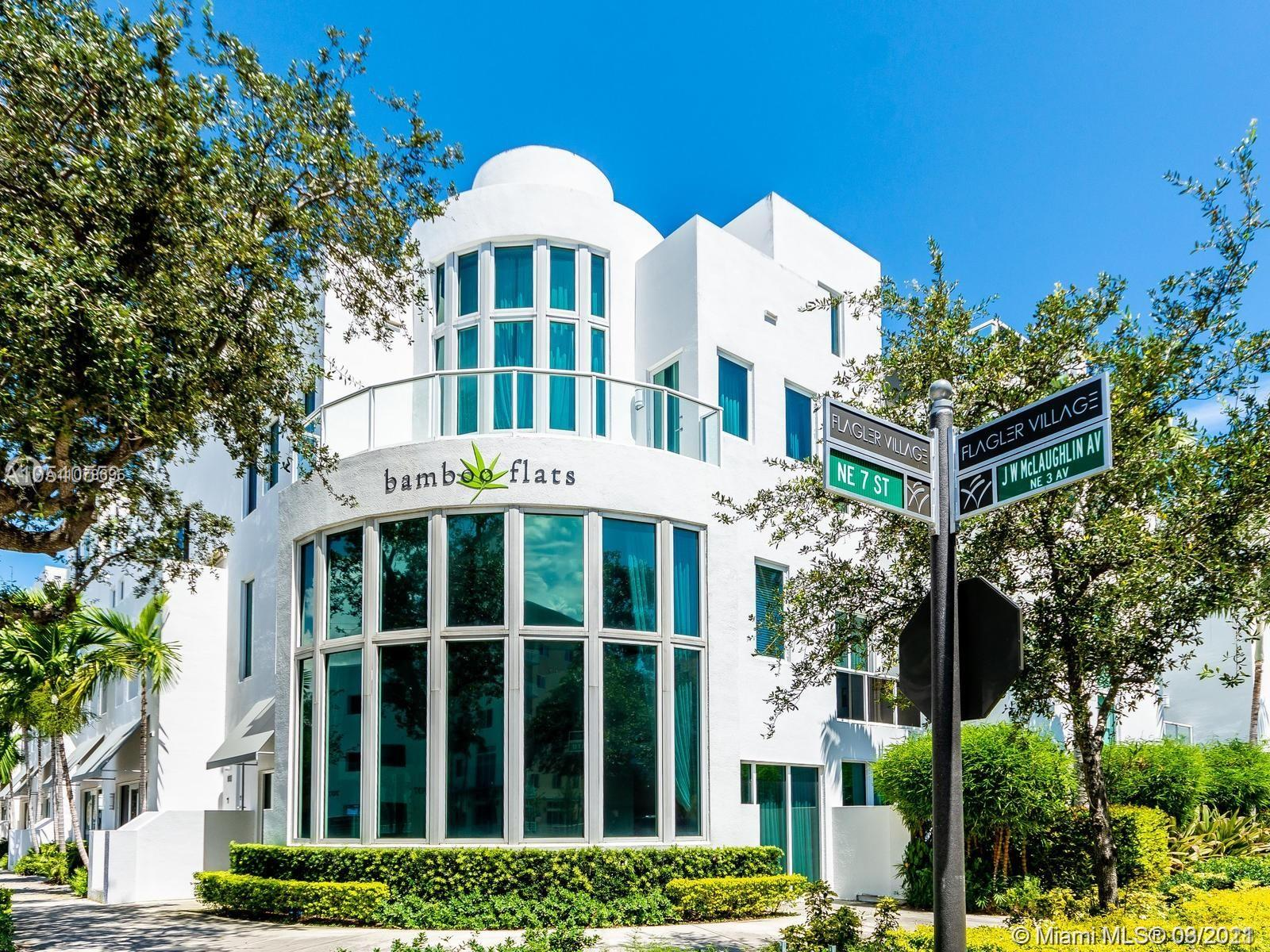 A hidden gem in the heart of downtown Ft. Lauderdale. A lush tropical setting that overlooks the skyline of beautiful Ft. Lauderdale. Located in the art district of Flagler Village, close to Las Olas and the beaches; this property is a perfect oasis in the growing city.  Impact glass throughout, espresso wood floors and saturnia in the living area. High ceilings, studio lighting, and an amazing rooftop space.