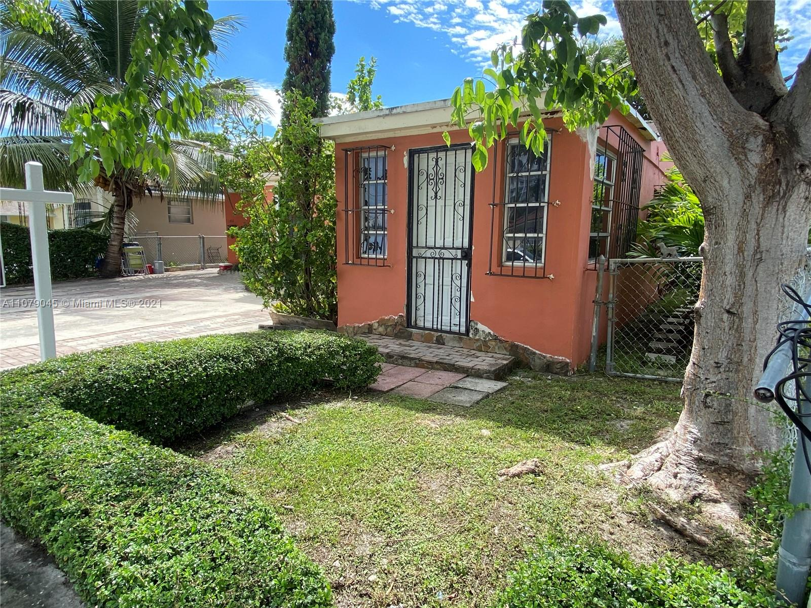 Fantastic location and opportunity to own close to the Loan Depot Stadium! Single family with legal addition makes a great investment whether to live in or as an investment, its definitely a great property to have. Walking Distance to the Loan depot Stadium.