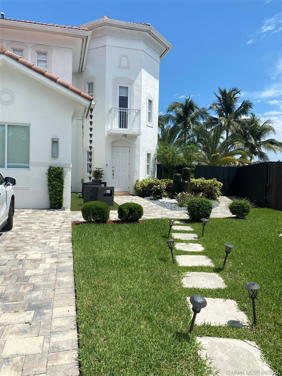 One of the beautiful lots in Doral Isle Mediterranea. Spectacular house for sale with Lake view. 6 Bedrooms, 4 1/2 Bathrooms, pool, sub zero appliances, white porcelain - glass style- floor, BBQ area with gazebo. Completely remodeled, with 2 Rooms on the First Floor and 4 rooms on the second.