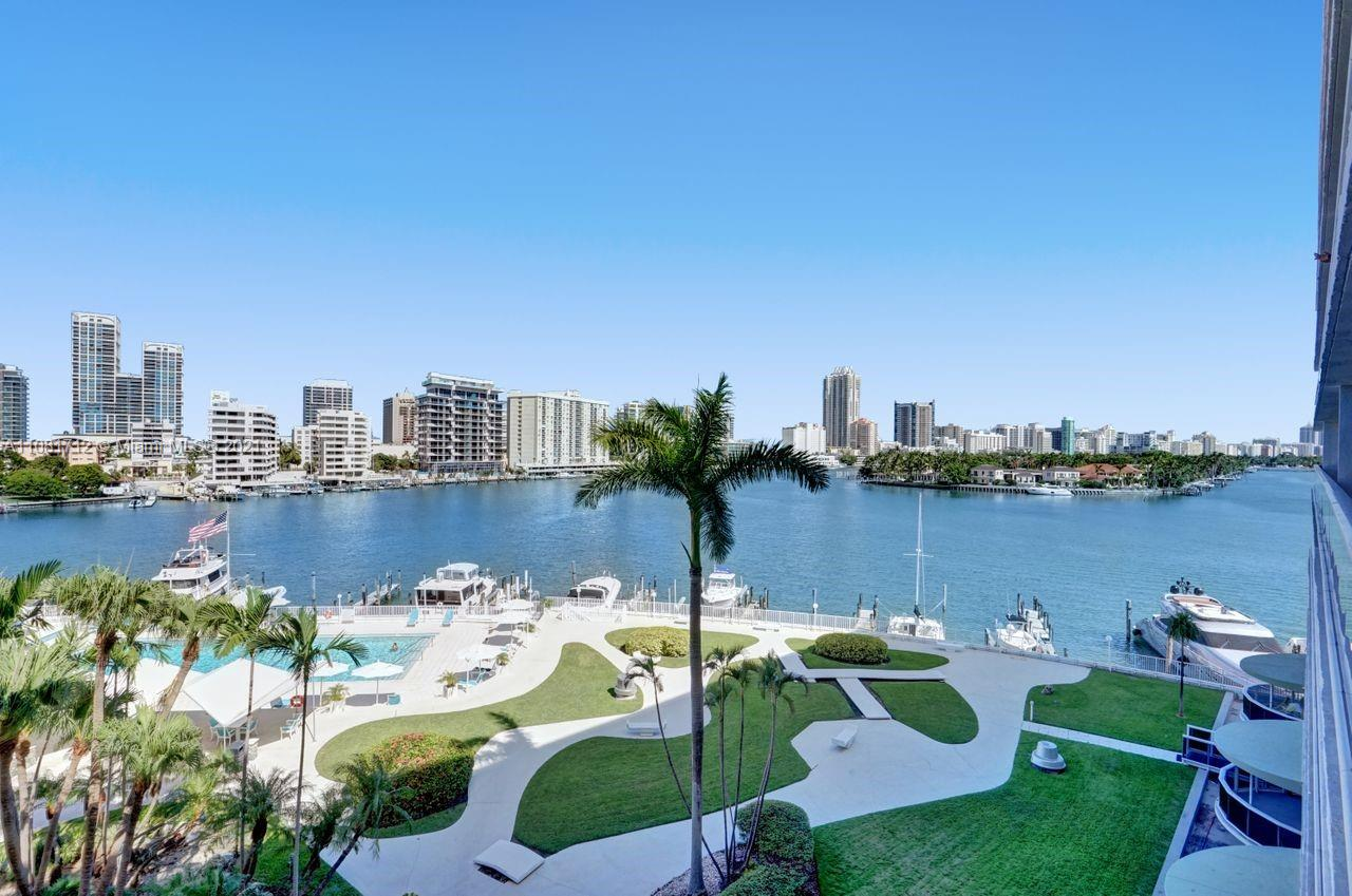 900  Bay Dr #522 For Sale A11081712, FL