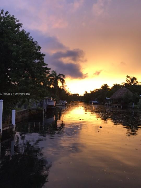 2206 N 26th Ave  For Sale A11081953, FL