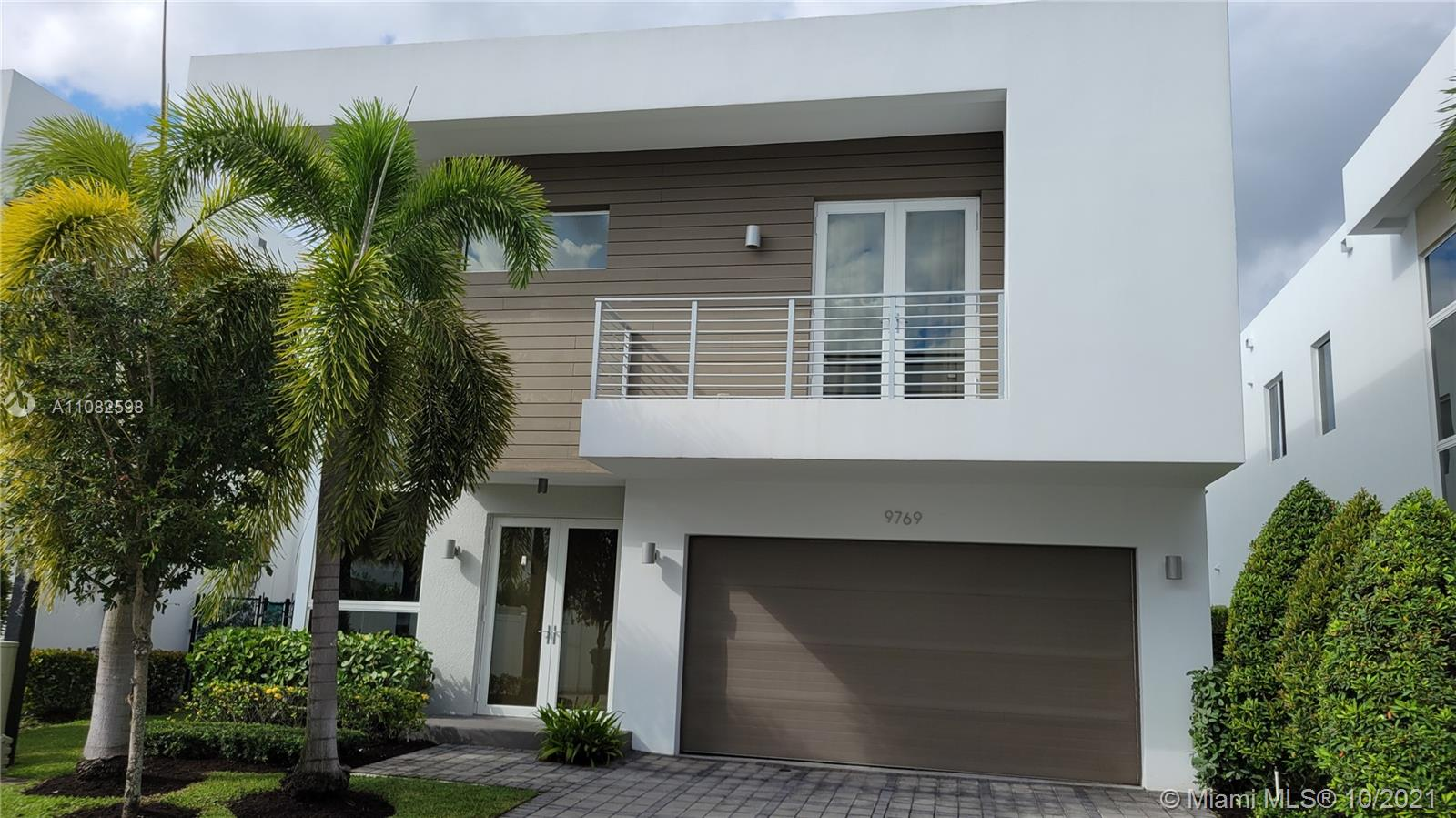 9769 NW 75th Ter  For Sale A11082598, FL