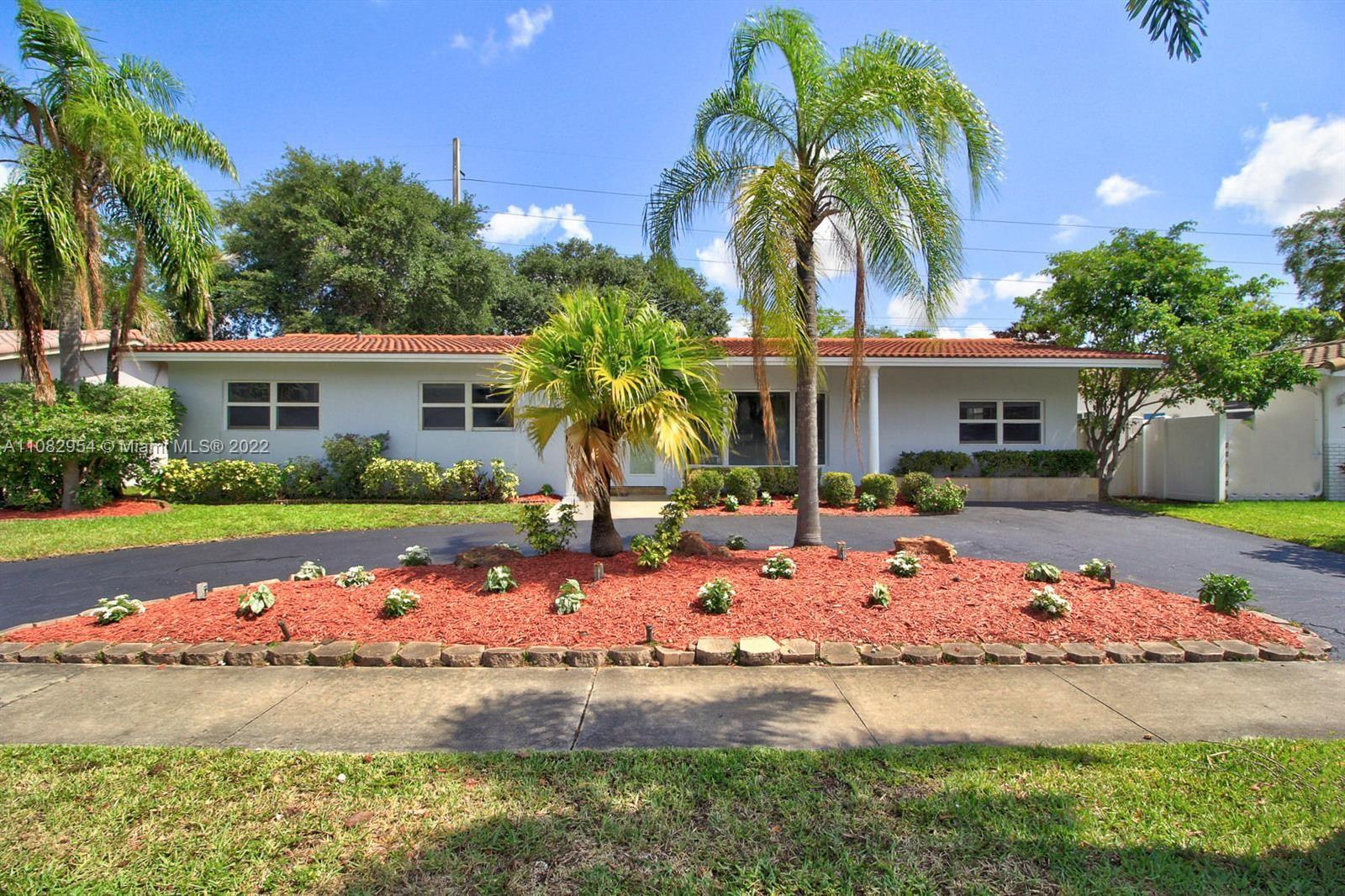 3351 N 41st Ct  For Sale A11082954, FL