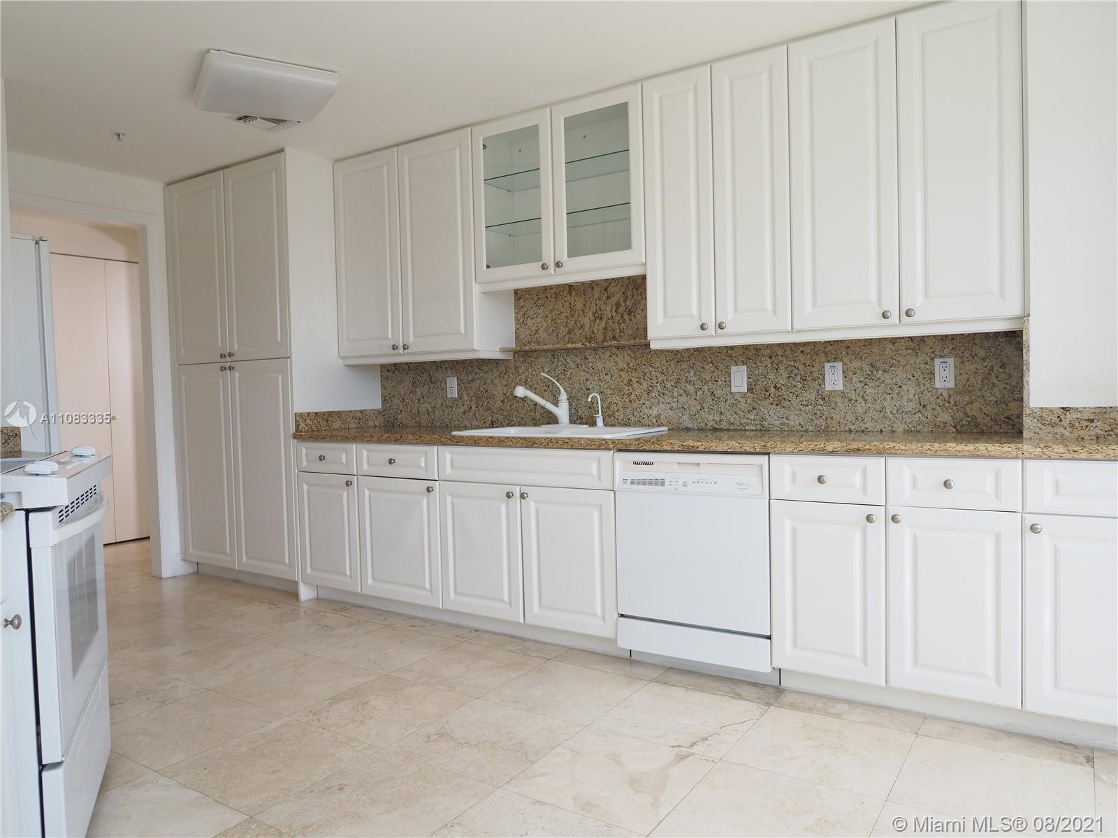 848 Brickell Key Dr 1705, Miami, FL 33131