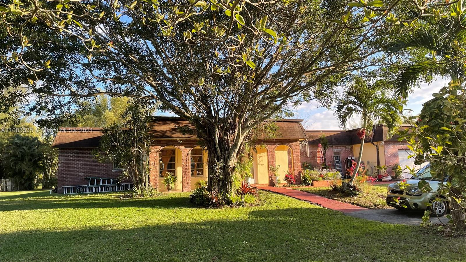4850 SW 128th Ave  For Sale A11083535, FL