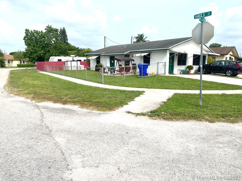 1100 N 61st Ave  For Sale A11083507, FL