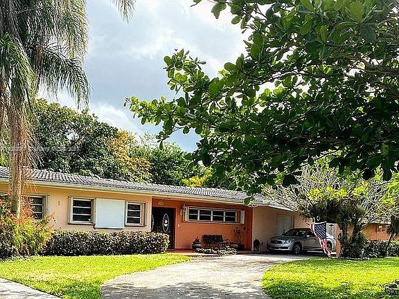 7300 SW 60th St  For Sale A11083967, FL