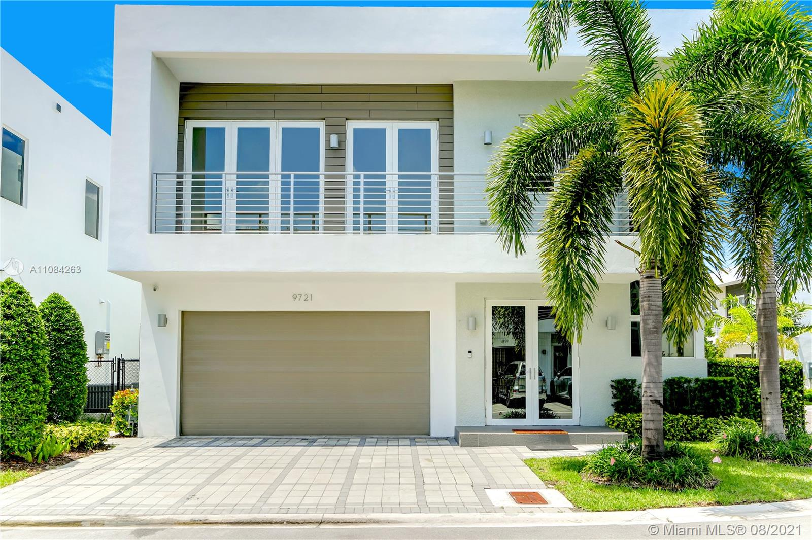 9721 NW 74th Ter  For Sale A11084263, FL