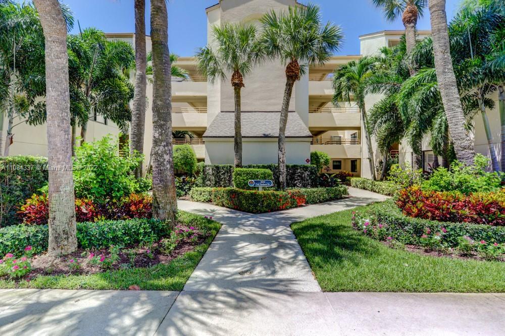 325 Oak Harbour Unit 3250, North Palm Beach, Florida 33408