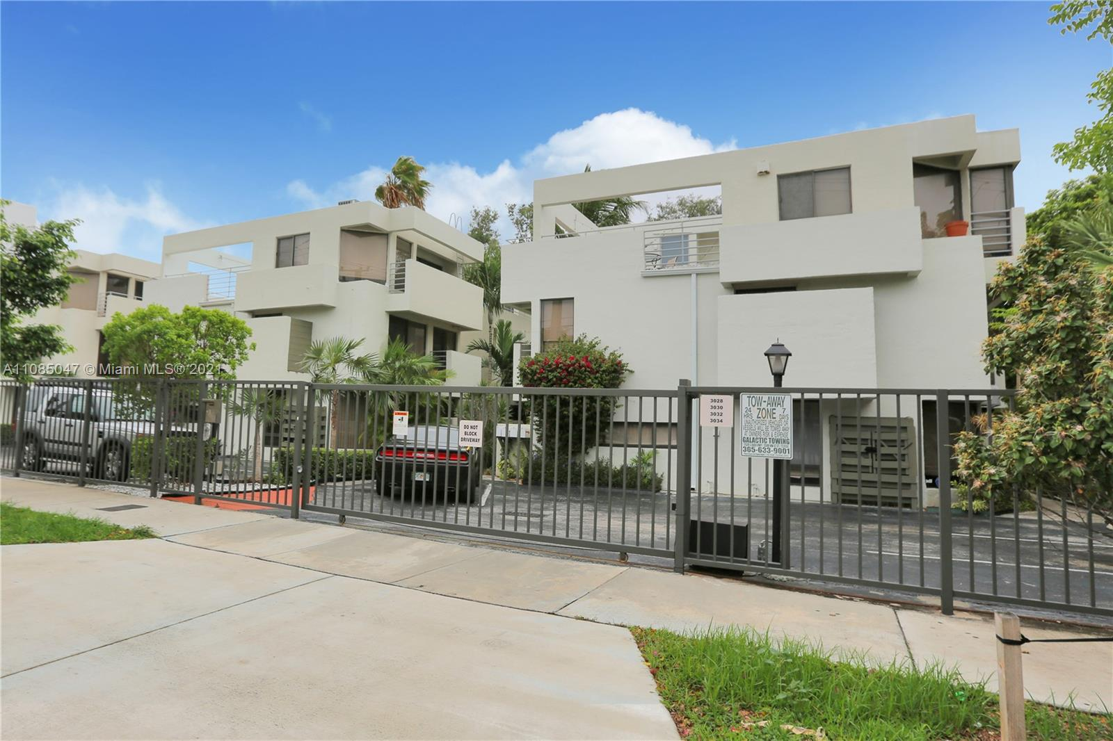 3034 SW 27th Ave #4 For Sale A11085047, FL
