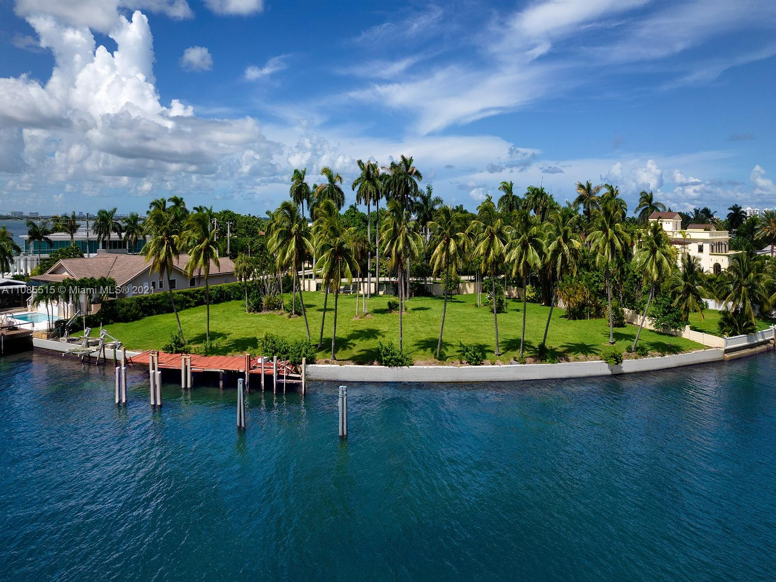 Build the home of your dreams on this trophy waterfront property, a double lot with approximately 27,000 sq ft and 208 ft of waterfrontage on the southwest tip of San Marco Island, along the magnificent Venetian Causeway. The property features panoramic open bay views of the Miami skyline as well as a picturesque line of palm trees along the water, framing spectacular sunsets. The extraordinary location, at the heart of the romantic Venetian Islands, is within walking distance to Sunset Harbour, Miami Beach's most interesting urban neighborhood, as well as minutes away from the Miami Design District and Miami International Airport.