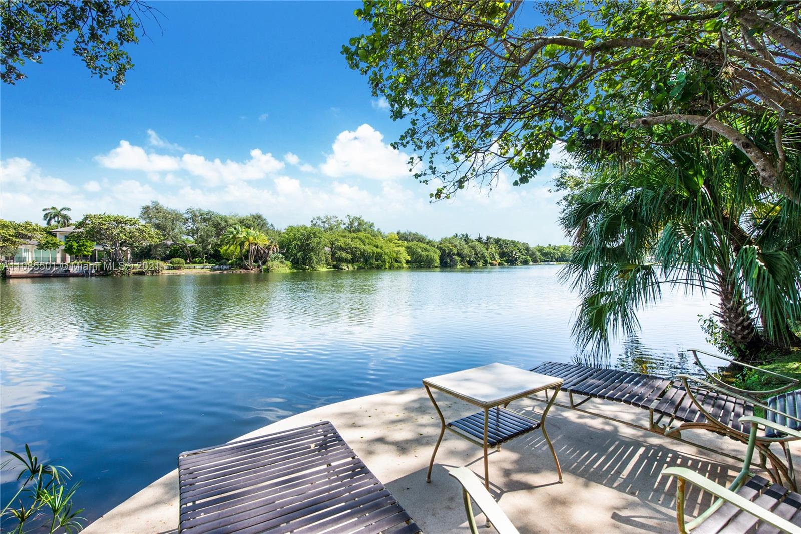 5401  Hammock Dr  For Sale A11085501, FL