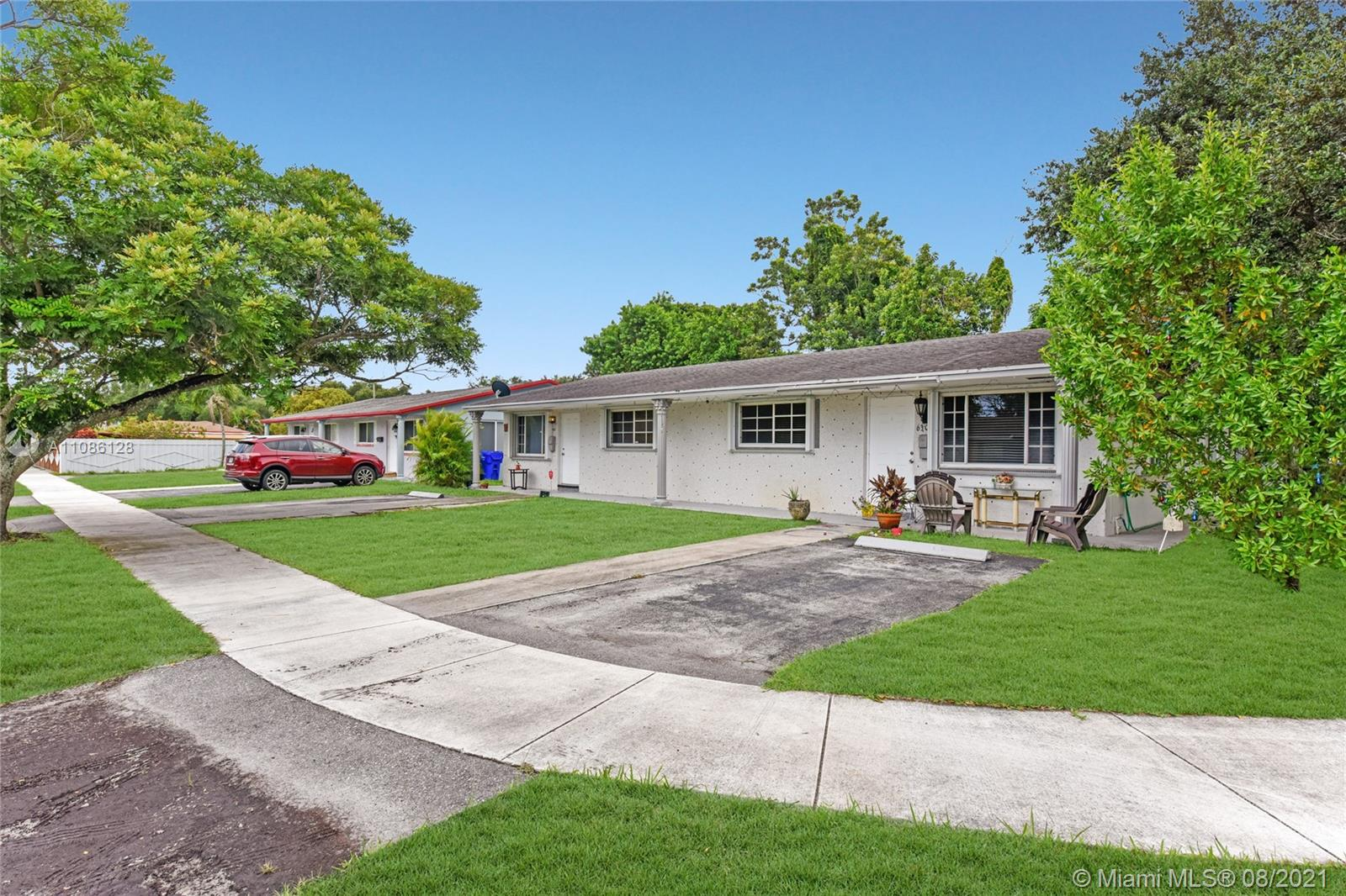628 N 58th Ave  For Sale A11086128, FL