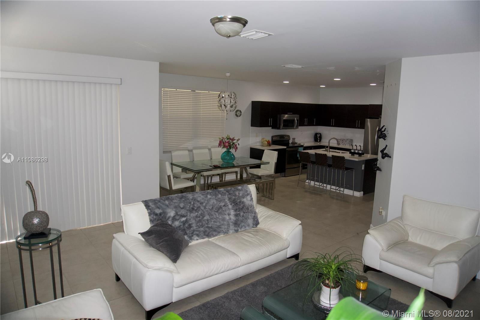 10358 NW 70th Ter  For Sale A11086298, FL