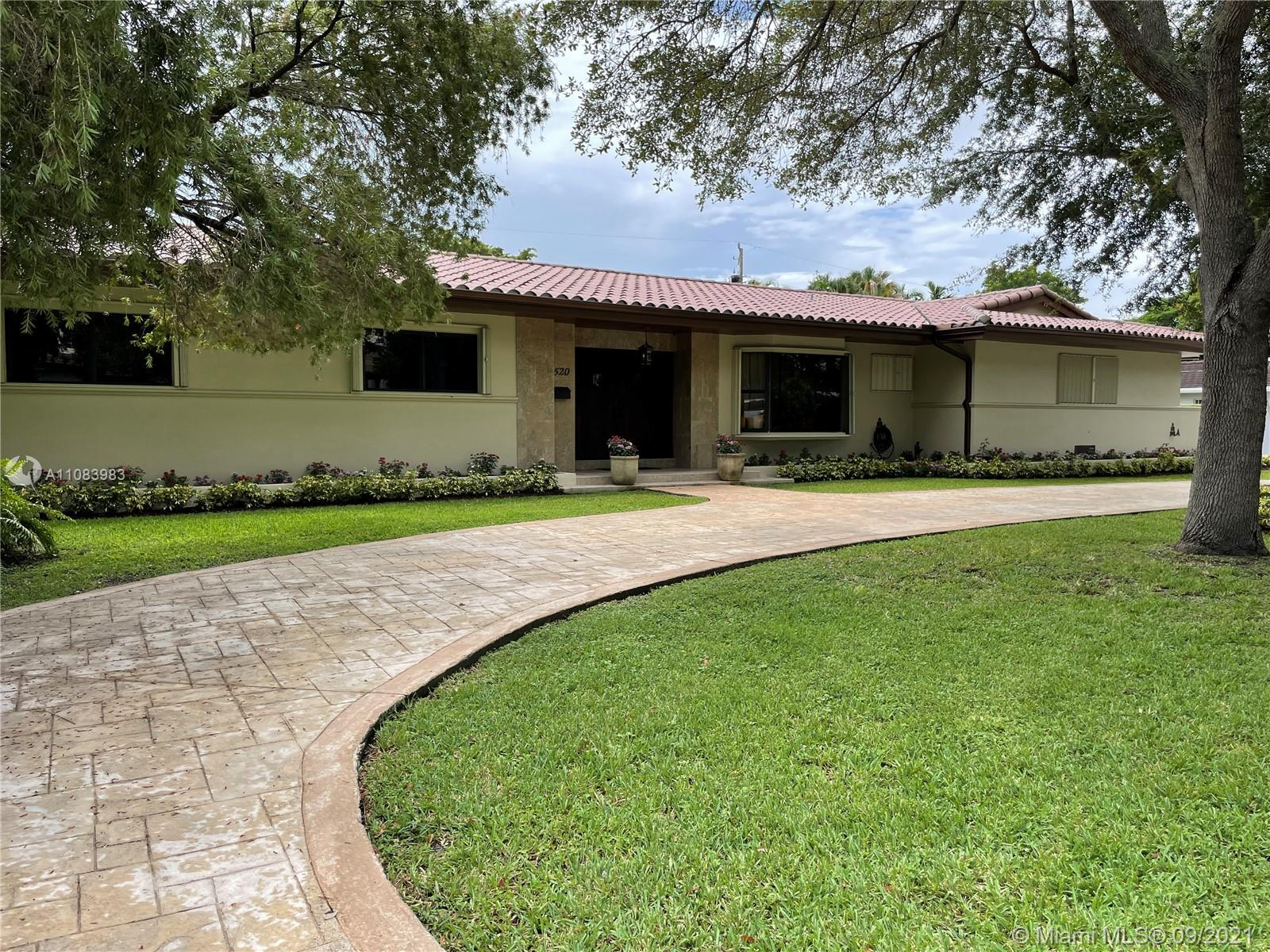 5520 SW 84th Ter  For Sale A11083983, FL