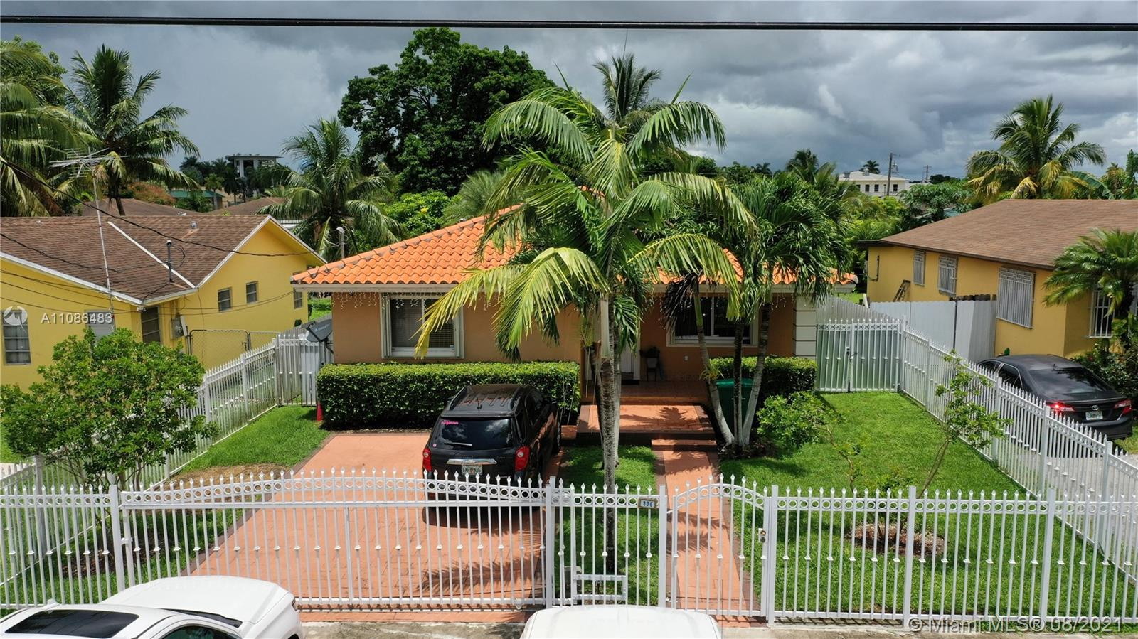 Beautiful Single Family Home 3 bed 2 bathroom, near the exit to the keys Fl  large patio , granite Counter Tops , No HOA , NO CDD , Ready to move in December 2021