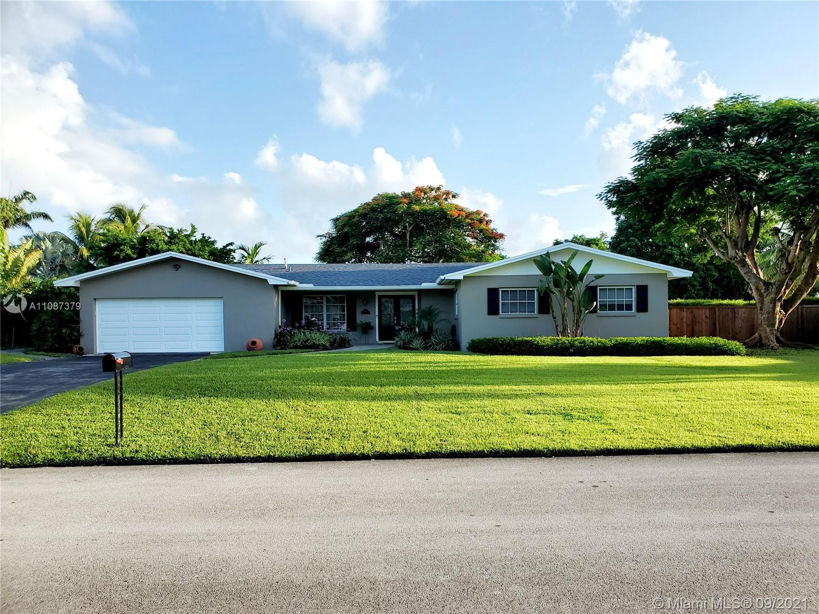 10721 SW 124th St  For Sale A11087379, FL