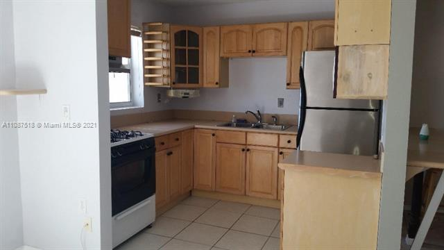 240  Collins Ave #4D For Sale A11087518, FL