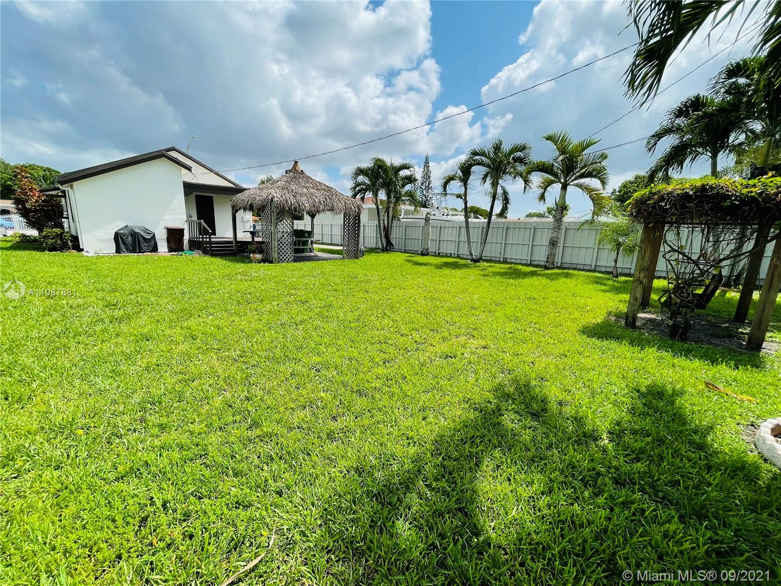 170 W 19th St  For Sale A11087881, FL