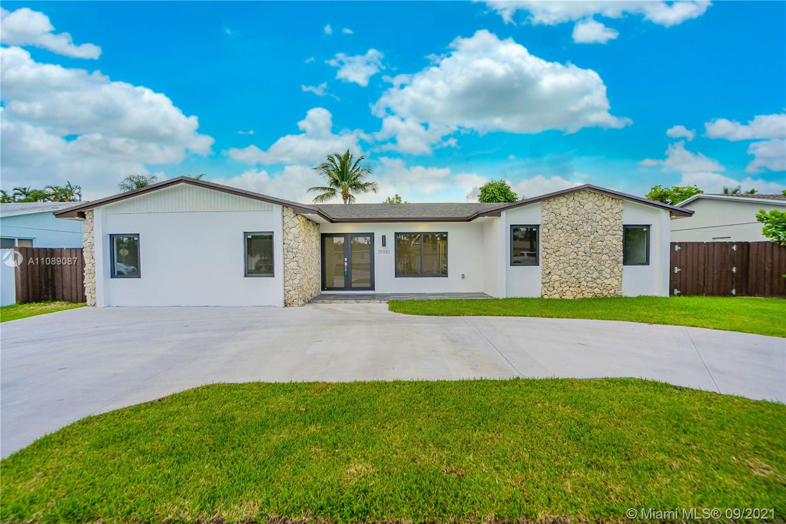 19981 SW 83rd Ave  For Sale A11089087, FL