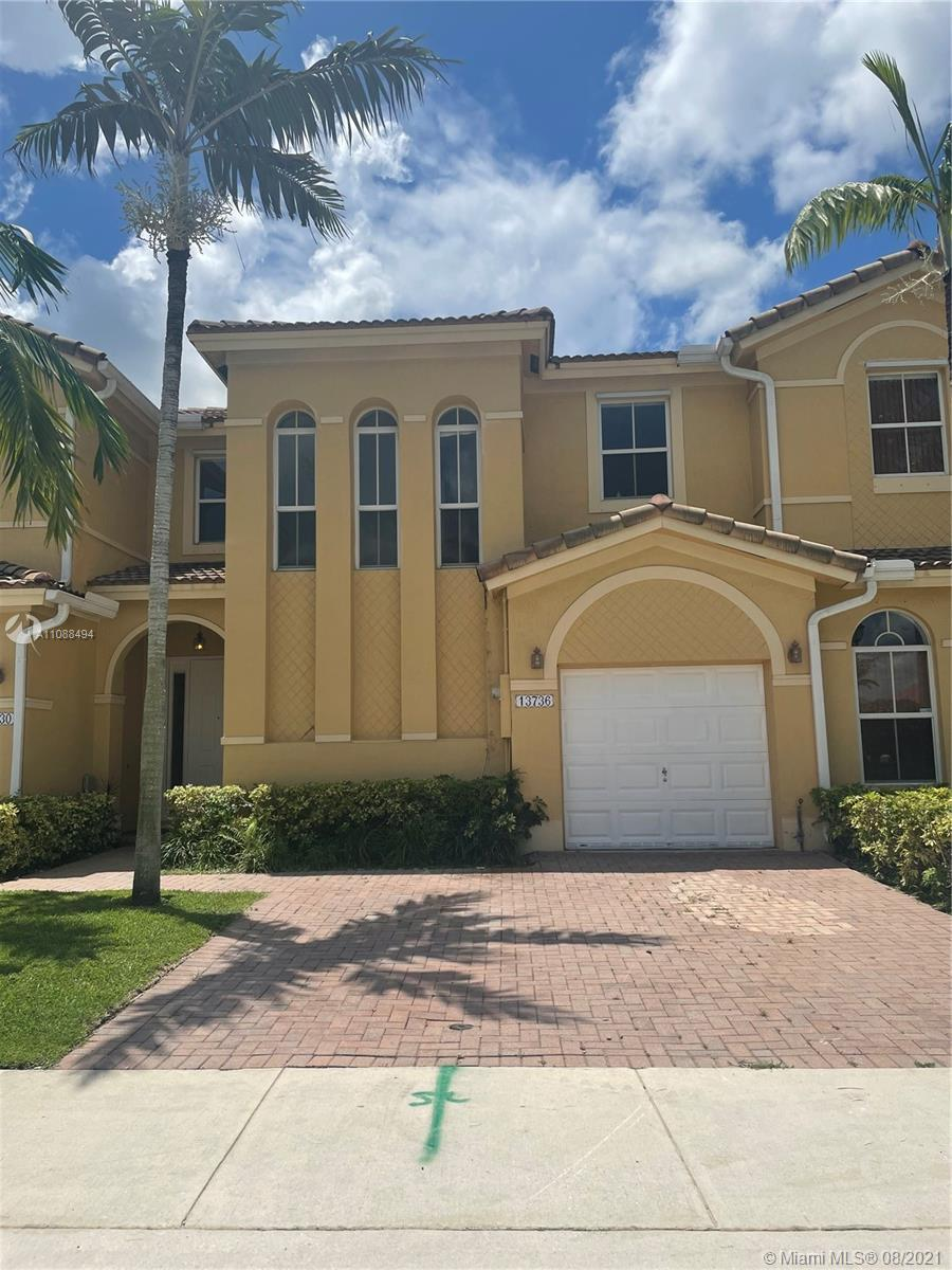 13736 SW 115th Ln  For Sale A11088494, FL