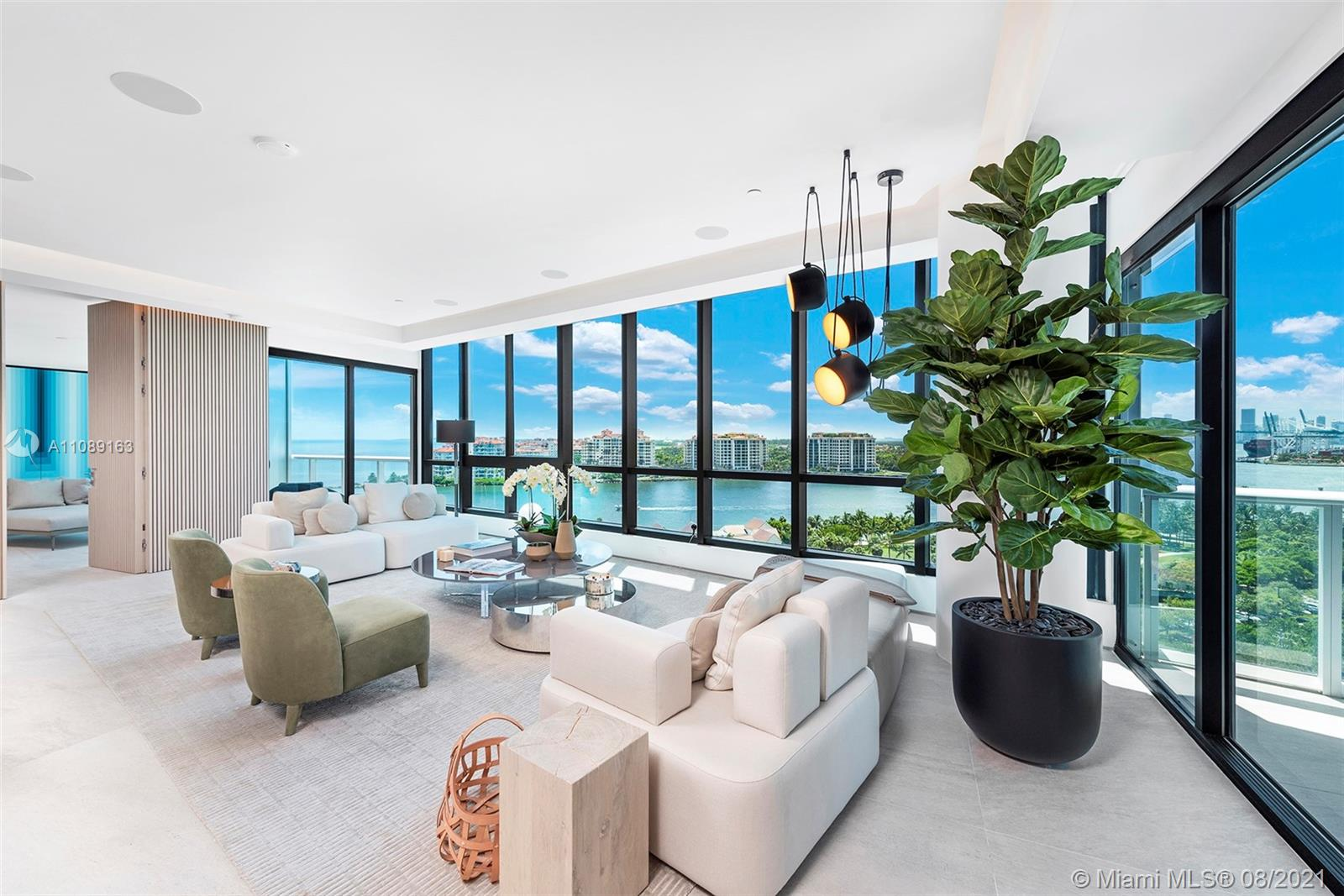 Every single detail in this one-of-a-kind 3,000 SF custom built, combined SW corner residence is meticulously designed blending wonderful panoramic vistas with the finest interior appointments. Impressive 32' wide living room perched above the Atlantic, Biscayne Bay and South Pointe Park, offers a full panorama from the ocean to Miami's Skyline sunsets. Custom features include Ornare kitchen+WI closets, Architectural Lighting, Dornbracht/Hansgohe baths, book-matched CalcuttaGold, white oak lower wall, Lutron/Control4 technology. Grand primary suite features its own terrace, louver crowned California king, sitting-room/spa. Discover an unparalleled lifestyle Continuum  offers its residences on an unprecedented 12.5 acre beachfront oasis at the southernmost tip of the island of Miami Beach.