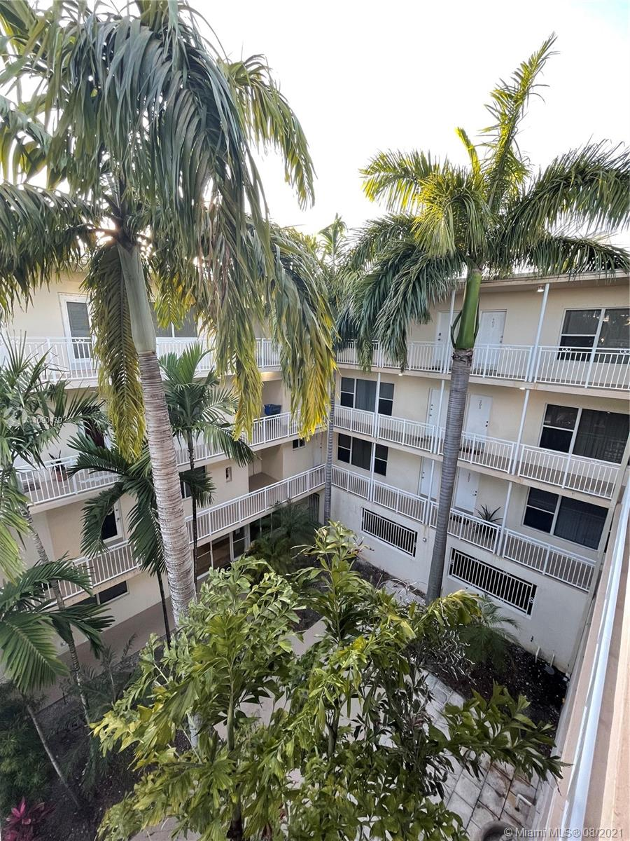 10001 W Bay Harbor Dr #404 For Sale A11090439, FL