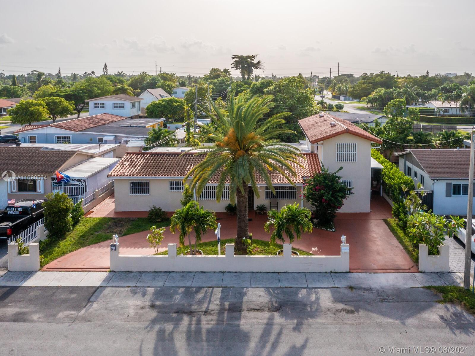 2820 SW 95th Ave  For Sale A11090534, FL