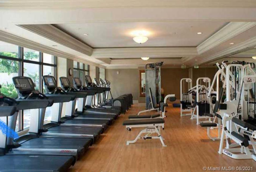 Enjoy the lifestyle at The Ritz Carlton Residences, Coconut Grove, Luxury designer finishes. Recently renovated furnished unit with wood floors, ready to move in. 24 hour room service, full service restaurant serving breakfast, lunch and dinner. Spa, fitness center, concierge, valet and security services.