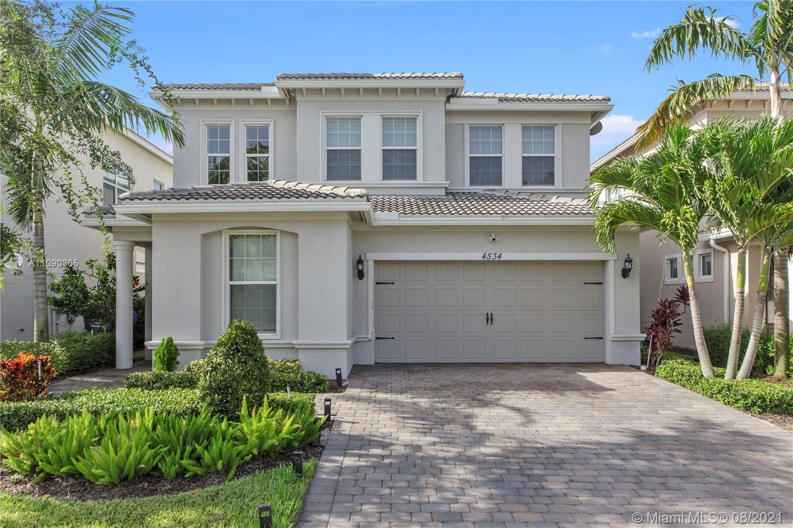 4534 Greenway Dr, Hollywood, Florida 33021