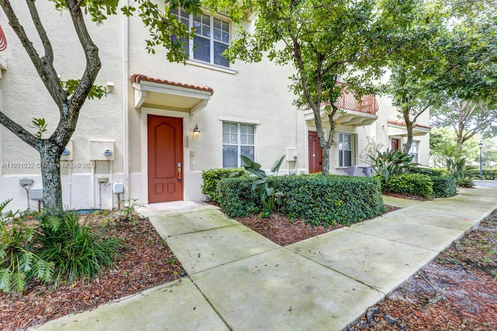 10050 SW 22nd #10050 For Sale A11091032, FL
