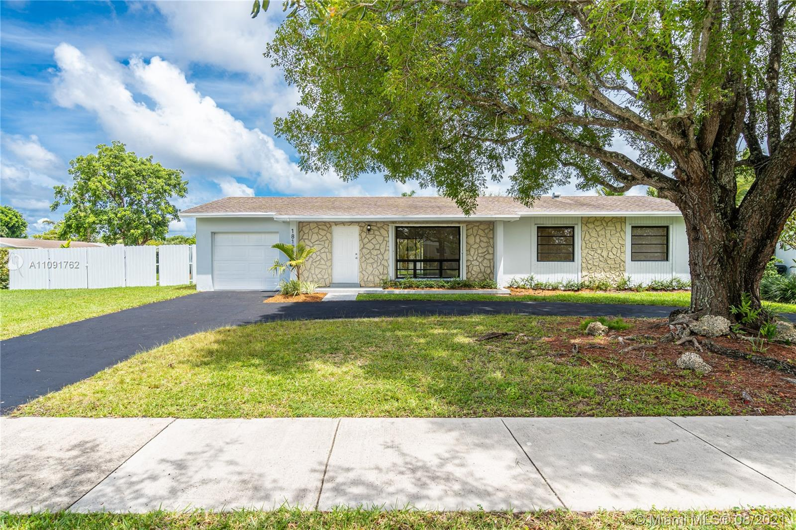 Spectacular home in Palmetto Bay. Corner lot. Perfect space to make a pool and store a boat. Don't let it go cause it won't last