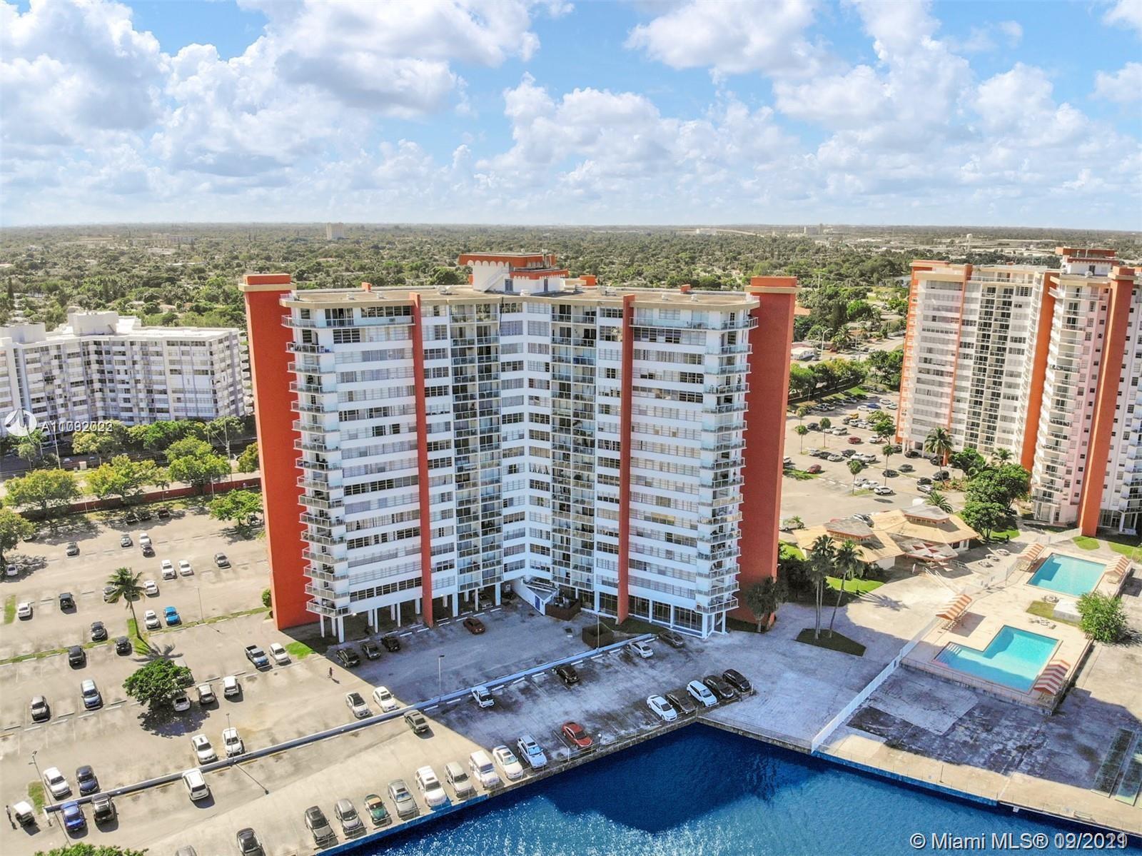 1351 NE Miami Gardens Dr #1215E For Sale A11092022, FL