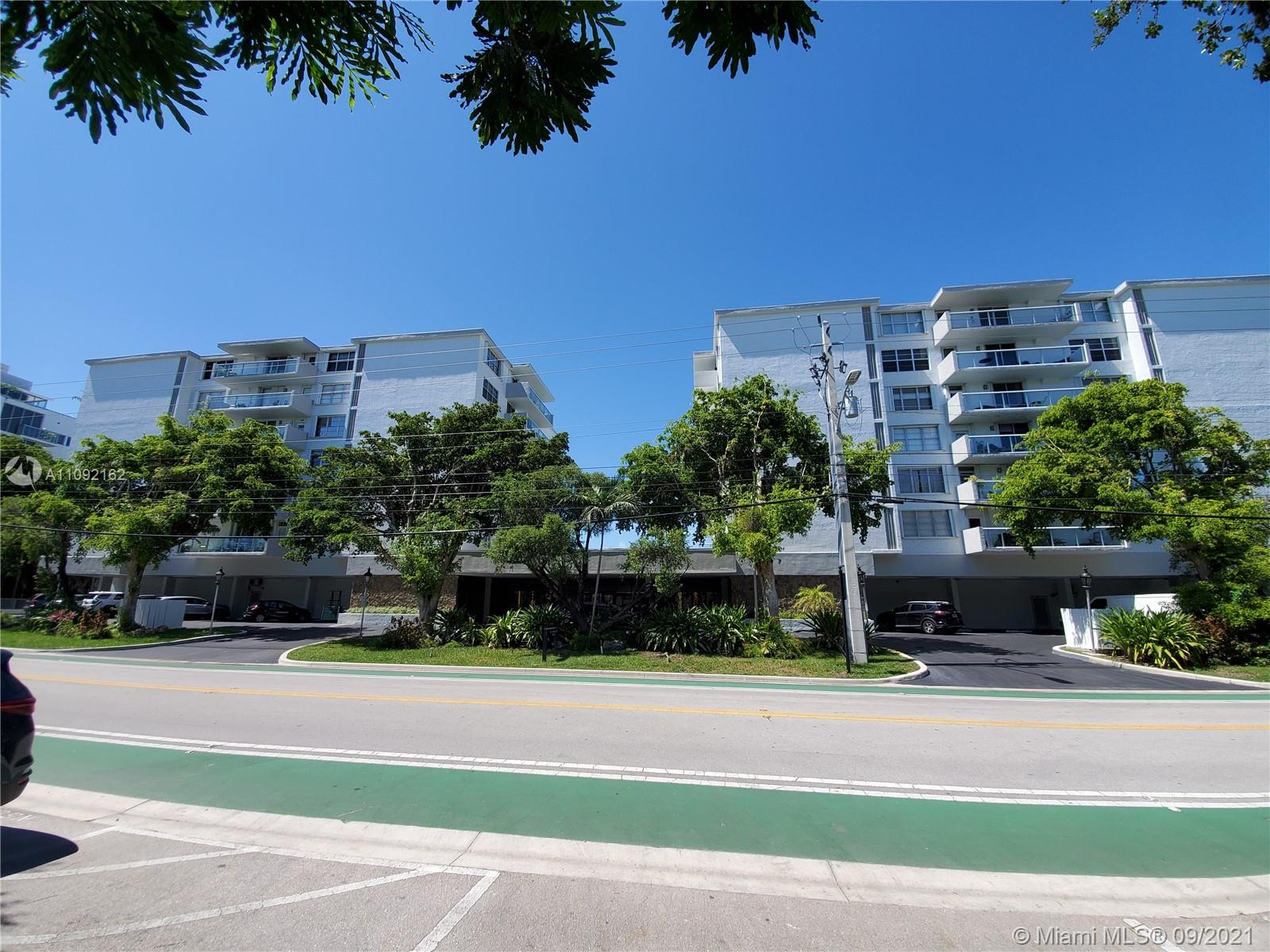 10000 W Bay Harbor Dr #325 For Sale A11092162, FL
