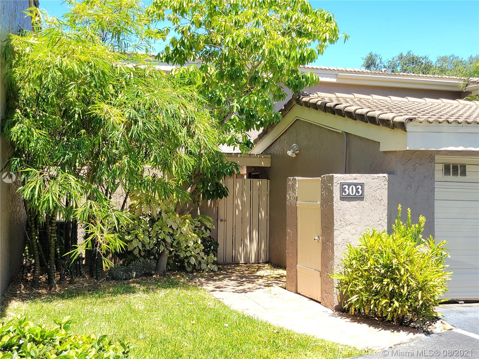 303  Dunwoody Ln #44 For Sale A11089814, FL