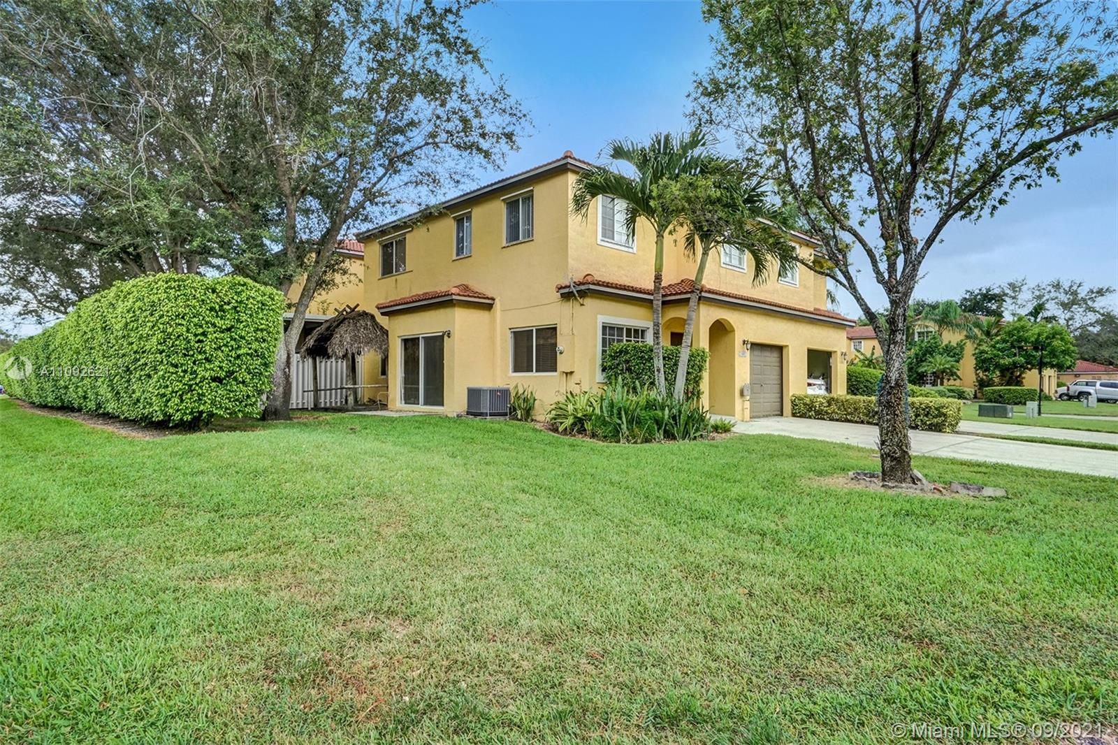 1801 SW 102nd Ter #1801 For Sale A11092621, FL