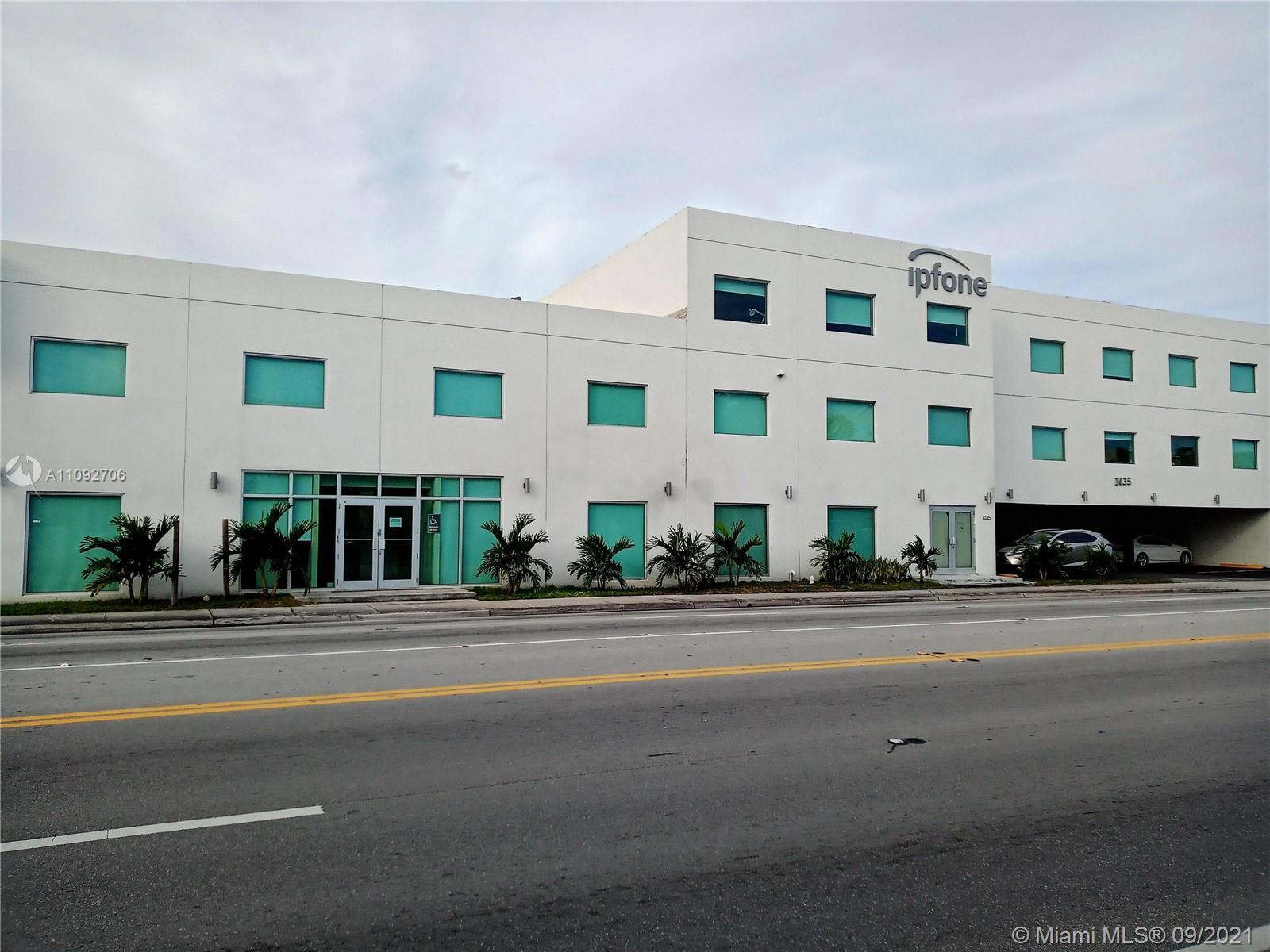 1005 NE 125th St  For Sale A11092706, FL