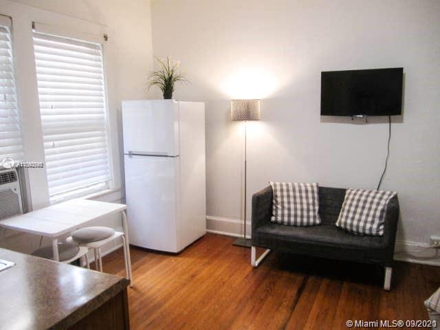 GORGEOUS CORAL GABLES STUDIO. WALKING DISTANCE TO THE BEST SHOPPING, DINING AND NIGHTLIFE THE GABLES HAS TO OFFER. ALL WOOD AND TILE FLOORS, REMODELED BATHROOM, LARGE CLOSET SPACE AND WASHER/DRYER INSIDE THE UNIT. 2 BLOCKS FROM THE CORAL GABLES TROLLEY STATION. RENTED FOR $1,250/MONTH