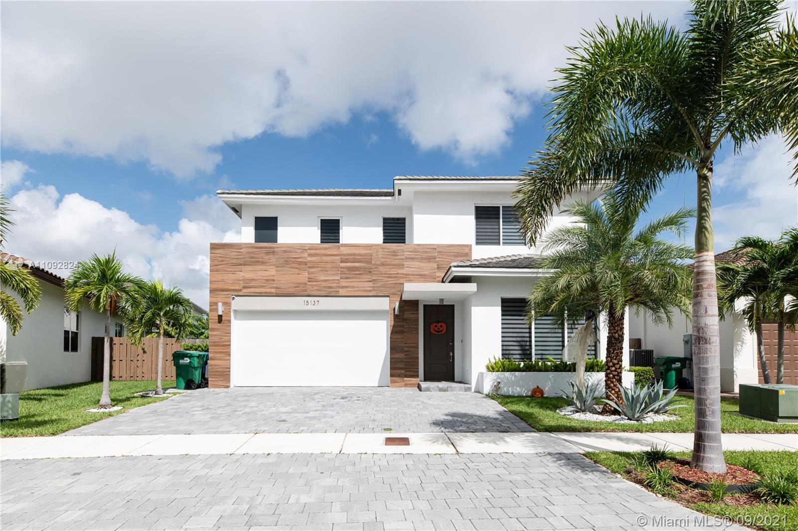 15137 176th Ln, Miami, Florida 33187