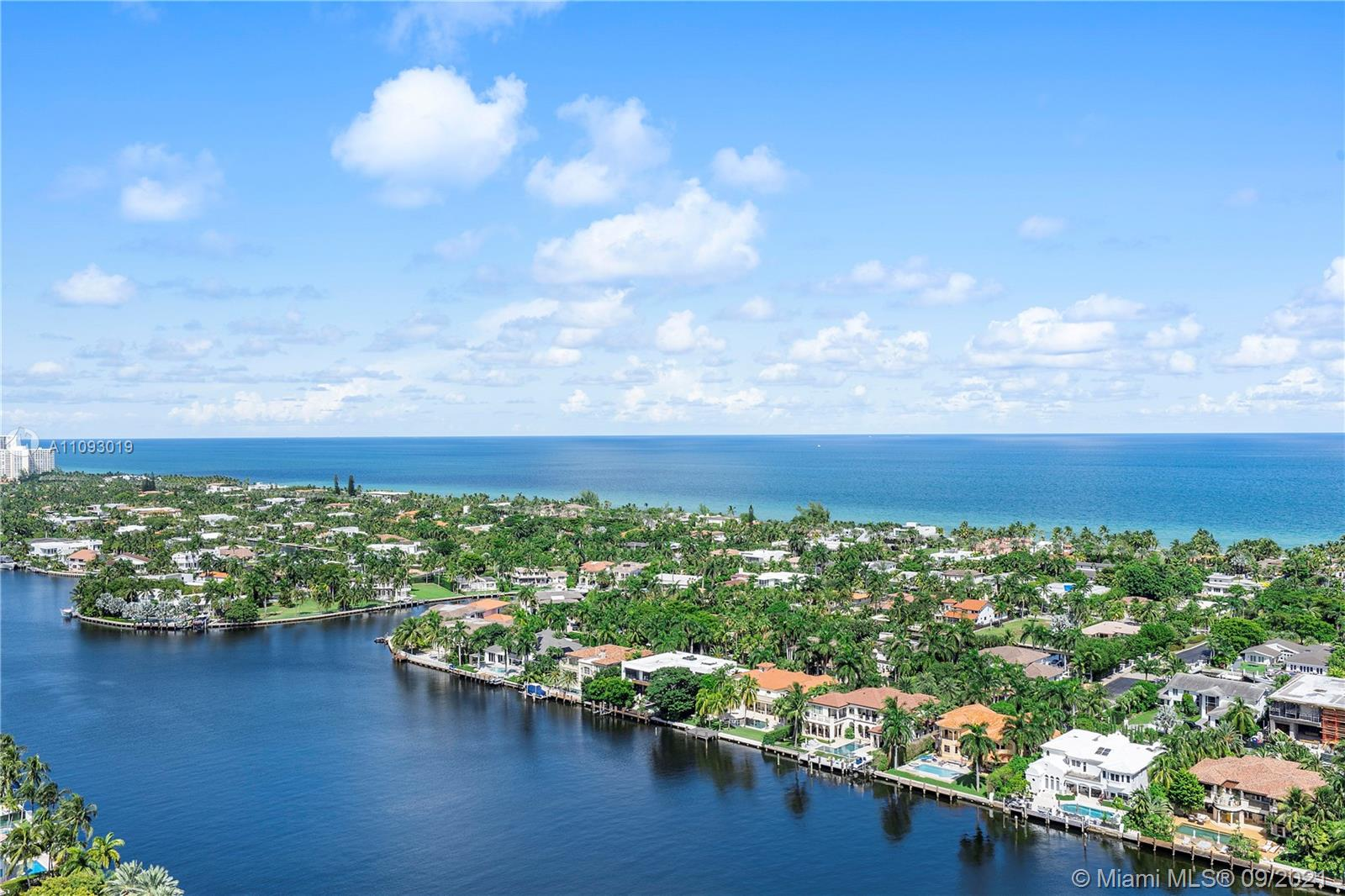 19707  Turnberry Way #28K For Sale A11093019, FL