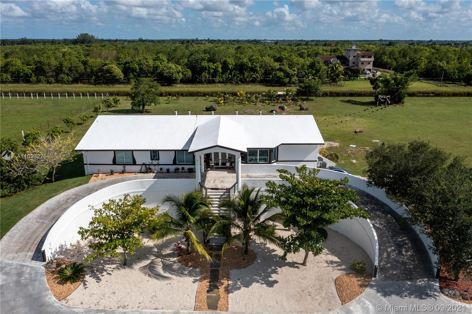 Undisclosed For Sale A11093275, FL