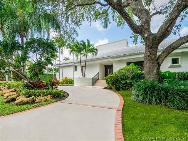 7255 Lago Dr, Coral Gables, Florida 33143